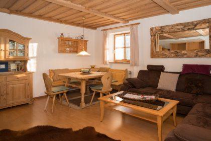 1104 Wohnzimmer mit Ess- und Sitzecke