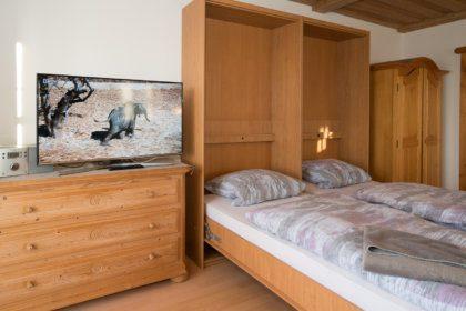 1104 Schrankbett im Wohnzimmer