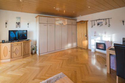 1004 Wohnzimmer mit Klappbett