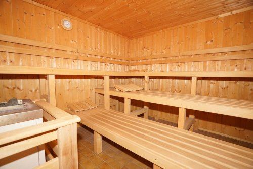 Sauna im Schwimmbadbereich